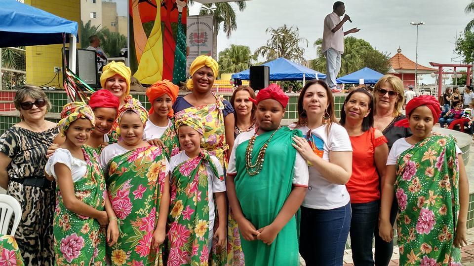 Secretaria de Educação comemora dia da Consciência Negra com evento na praça Arthur Pagnozzi